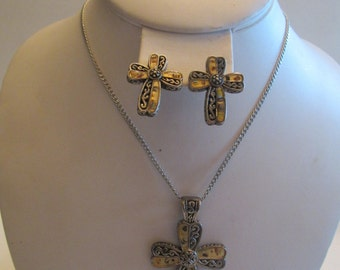 Beautiful Vintage Inlaid Iridescent Shell Necklace And Earring Set