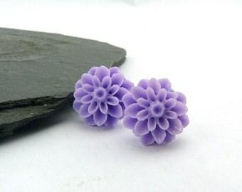 Lavender Purple dahlias studs - flower - cabochon earrings - romantic earring - flower girl - nickel-free - flower jewellery