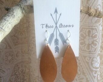 Leather earrings • teardrop