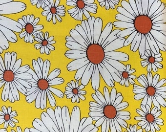 Vintage Cotton Fabric of White Daisies on a Bright Yellow Background, #dr79