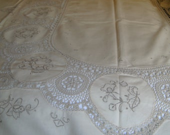Embroidered and crochet table cloth with 12 matching napkins
