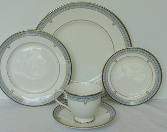 Lenox Sheraton Blue English Bone China 5 pc set