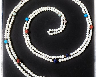 Unique and natural mother of pearl and semiprecious stone necklace