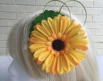 Large Kitsch Tiki Flower Pin Up Hair Clip