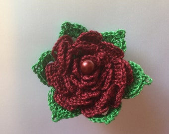 Dainty crochet flower brooch