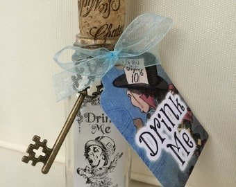 Alice in Wonderland Bottle. Drink Me Bottle. Drink Me. Mad Hatter's Tea Party. Alice in Wonderland Decor. Drink Me. Bottle. Alice Bottle