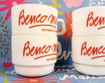 4 cups Milk benco left. Vintage.  Banania.