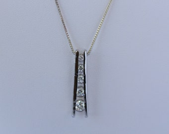 925 Sterling Silver Women : Girls Necklace & Pendant