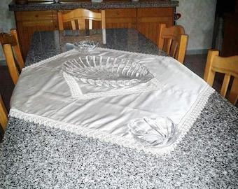 Shantung silk centerpieces