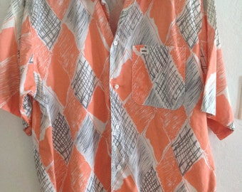 Whooo's Peachy VINTAGE Shirt Size LARGE Preshrunk 100% Cotton