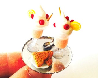 PEACHES AND CREAM -- Miniature dessert ring by The Sausage