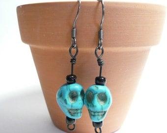 Skulls Jewelry, Skull Earrings, Turquoise Blue Black, Boho Chic Geek Earrings, Dia de los Muertos Day of the Dead