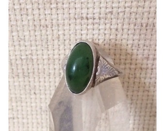 Vintage Jade Green Nephrite  Silver Ring Size 6