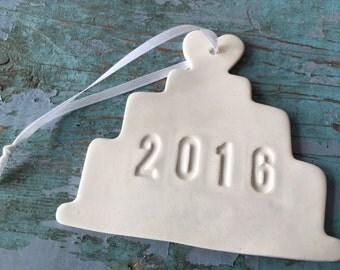 Wedding Gift 2016 Wedding Cake Ceramic Ornament