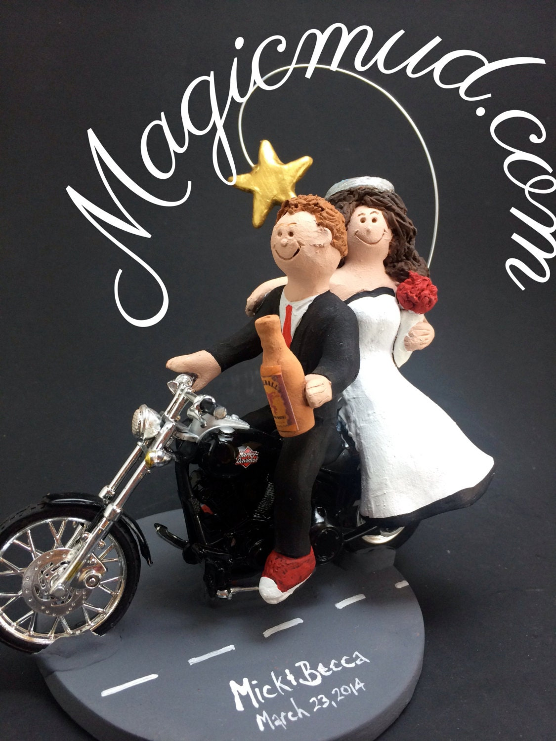 harley davidson wedding cake toppers canada goateed groom on a harley wedding cake by weddingcaketoppers 15078