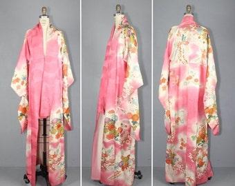 kimono sale / 1950s kimono / furisode / silk robe / SUGAR COATED vintage floral kimono