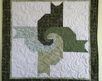 Cat wallhanging  in greens