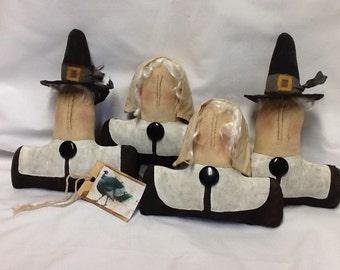 Primitive Pilgrim Thanksgiving Tucks