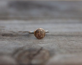 Sale - Soul of a flower - Bronze button ring