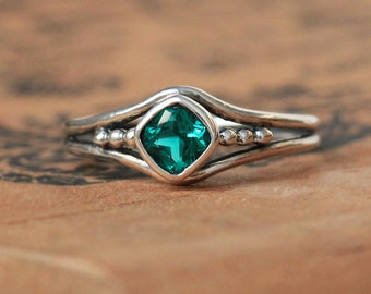 Emerald ring silver, emerald ring size 8, May birthstone ring created emerald promise ring for her organic unique ring, ready to ship size 8