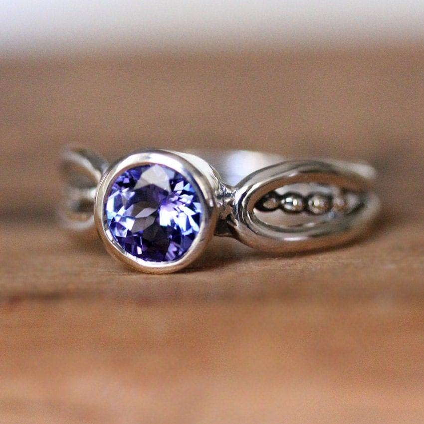 modern tanzanite ring purple tanzanite ring unique tanzanite