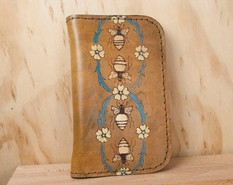 Planner - Dayplanner - Filofax - Handmade leather refillable planner with wallet - Melissa pattern with honeybees and flowers - Brown