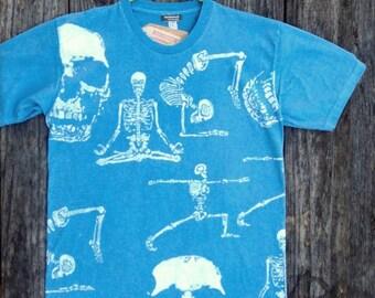 Yoga poses / positions organic cotton hand dyed Men's Clothing skeleton meditation t shirt light blue