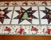 Pepppermint Santa Table Runner Quilt