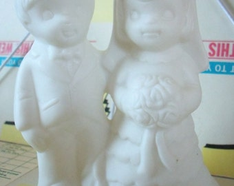 Vintage / Bride and Groom Wedding Cake Topper / Ceramic / DIY