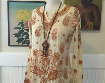 On sale Vintage tunic embroidered blouse ethnic top size small long sleeve shirt bohemian blouse
