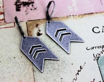 arrow chevron. earrings silver ox