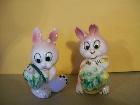 Rabbit Salt and Pepper Shakers, made in Japan 1950's, collectible, easter, spring, bunnies, rabbits, porcelain, pink