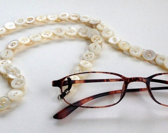 Eyeglasses Chain in Vintage Mother of Pearl Buttons