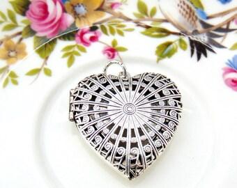 SILVER LOCKET Heart Filigree Locket ~ Antique Silver Pendant With Jumpring (L-153)