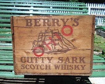Cutty Sark whiskey crate OHIO, wooden w/ bottle dividers - Scotch Whisky, nautical ship
