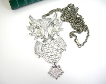 Silvertone Owl Pendant Necklace, 36-inch Chain, Jointed, Vintage c1960, Costume Jewelry, Bird Figural, Retro Mod