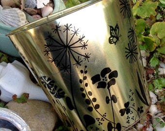 FREE SHIPPING..Vintage JV Reed & Co. Brass/Gold and Black Floral Metal Small Trash Can-Bathroom-Glam-Hollywood Regency-Mid Century-Cottage
