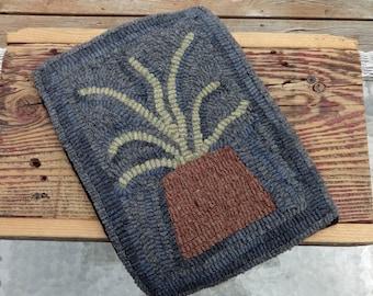 Primitive Hooked Rug - Wool Rug Hooking - Fern Mat - Home Decor Primitive (Free Shipping)