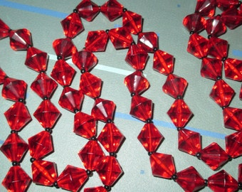 Vintage MOD Ruby Red Faceted Lucite Bead Necklace