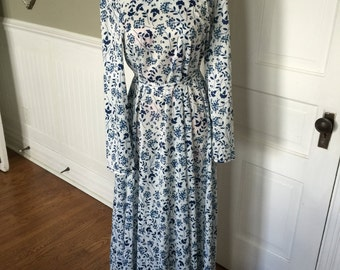 Vintage Ladies' Navy Blue and White Floral Print Polyester Pullover Long Dress