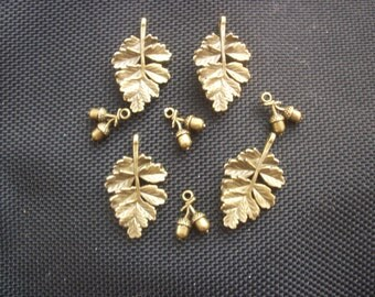 8 Oak Leaves and Acorn Charms Antiqued Bronze Tone