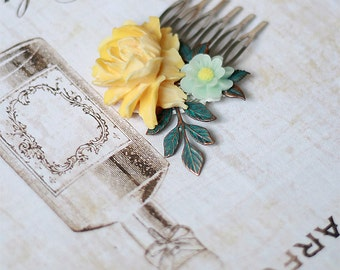 Soft yellow and light mint green flower hair comb -  Made to order -