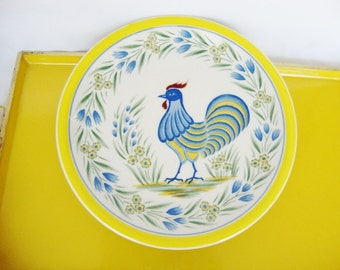 vintage rooster french country style decorative plate blue and yellow