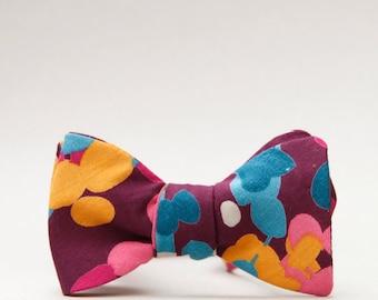 eggplant floral bow tie  // self tie bow tie // burgundy bow tie  //  mod bow tie