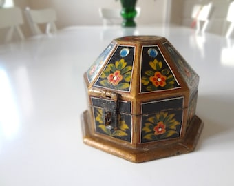 Vintage Wood Trinket Box Folk Art  Domed Hinged Lid Hand Painted Mother's Day Gift - EnglishPreserves
