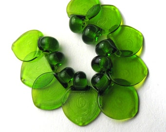 Flat Leaf Glass Leaves Artisan Lampwork Beads in Grass or Bright Emerald Green