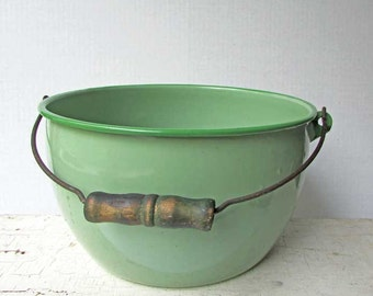 Vintage 1940's Jade Green, Mint Green Enamel Ware Large Swing Bail Handle Pot, Planter Pot, Kitchen Decor, Storage, Laundry Room Decor