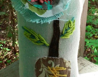 Raggy Applique Flower in Vase Pillow Ready to Ship YelliKelli