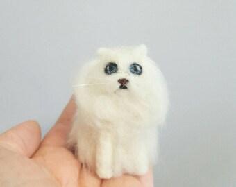 Persian cat ornament, Needle felted cat, Pet portrait, Cat memorial, Cat lover gift, Unique gift, Felted miniature cat
