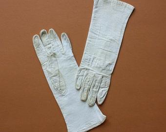 Vintage Lanolav Leather Gloves in Cream - Size 6.5